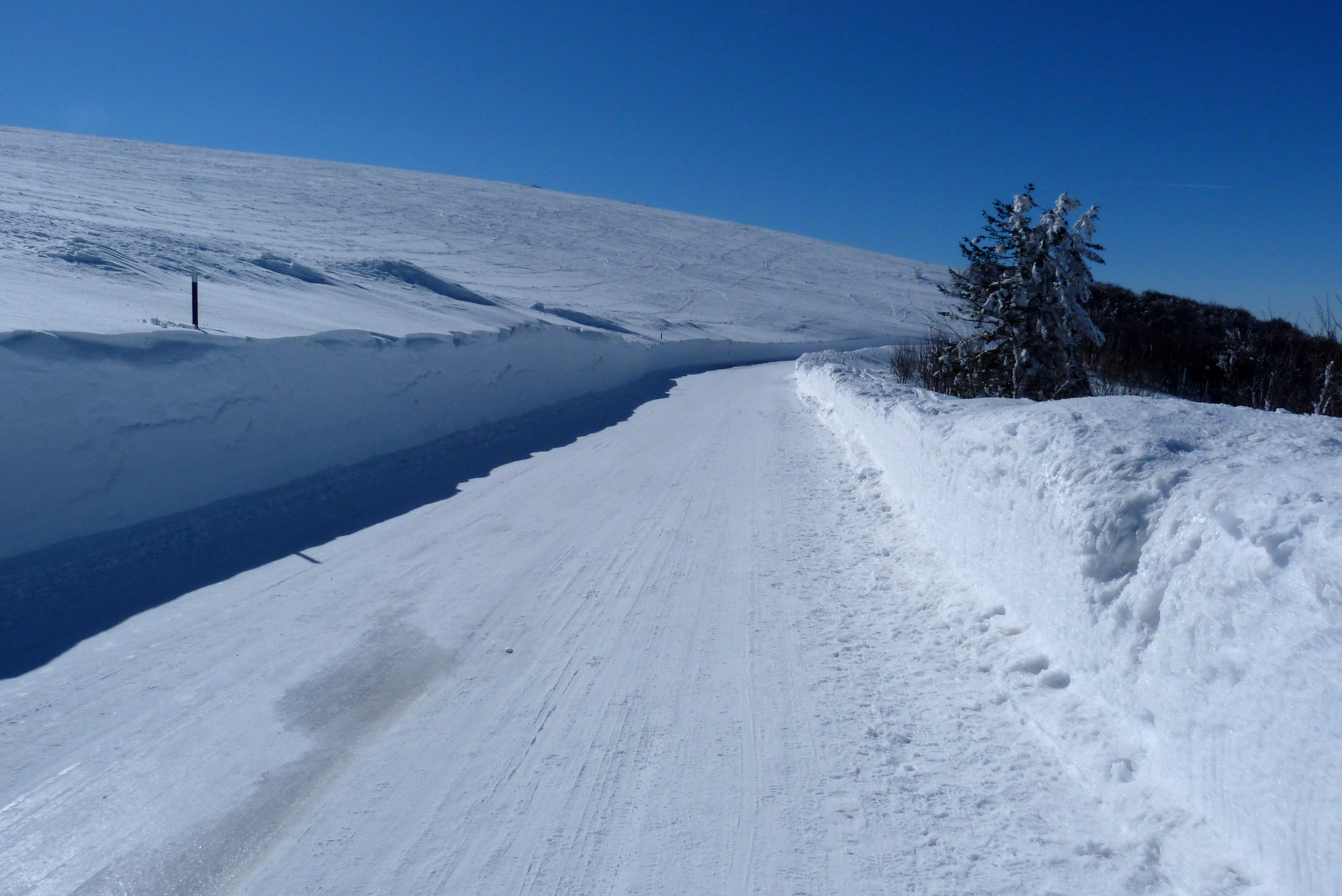 Background route neiges